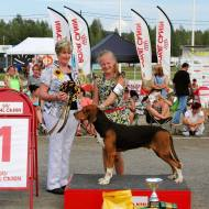 Emma ja Satumeren Niko, ensimmäinen Junior Handler -osakilpailuvoitto Kuopiossa vuonna 2014 / Emma and Satumeren Niko in Kuopio 2014, the first part-competition win and the license to take part the Junior Handler finals